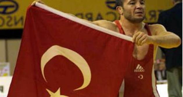 Bayram Özdemir olimpiyat vizesini alamadı.